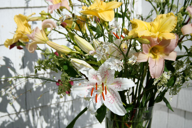 Flowers for Special Events: Lilies and Wine