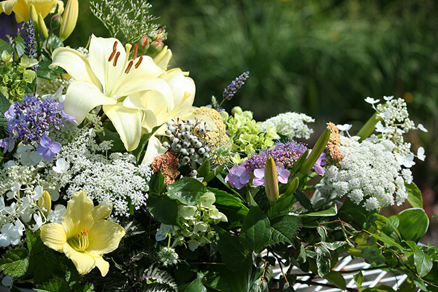 Glorious in August - bride's bouquet